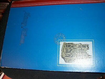 large WORLD Stamp Album mixed countries, over 900 stamps, lots of older