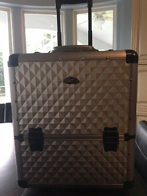 Sunrise Make-Up Case 4-tier on Wheels Silver