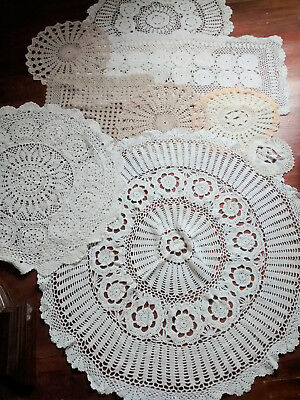 Coll. vintage crochet/lace circular tablecloths runner traycloth doilies 9 pcs.
