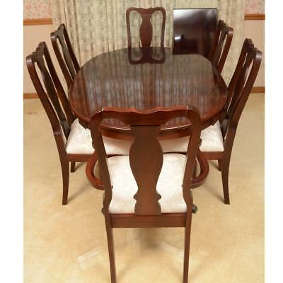 Queen Anne Style Dining Table and Six Chairs - Fantastic condition.