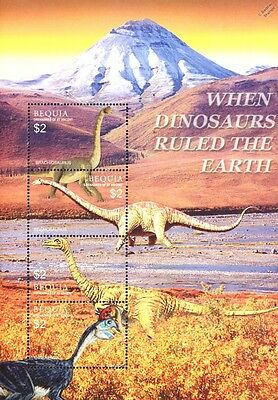 DINOSAURS Mint MNH Stamp Sheet #5 (2005 Bequia, Grenadines of St Vincent)
