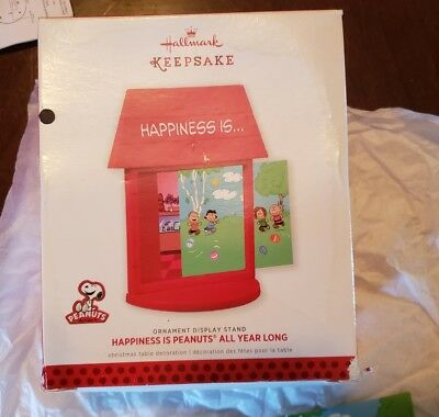 The Peanuts Gang:  Happiness Is Peanuts All Year Long  -  Ornament Display Stand