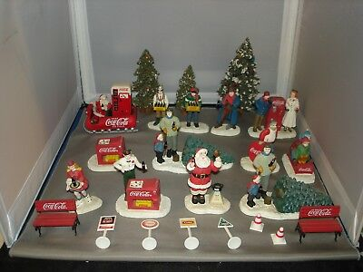 coca-cola town square collection scenery people / tree  lot #12