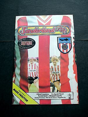 FOOTBALL PROGRAMME SUNDERLAND v NEWPORT COUNTY 04/01/1986 FA CUP