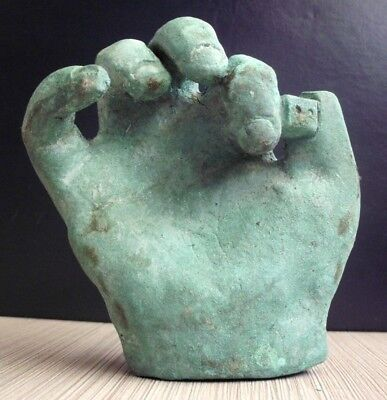 ''Alea iacta est'' THE DICE IS CAST - AUTHENTIC ROMAN BRONZE HAND WITH DICE 50BC