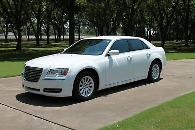Chrysler 300 300  1 Owner  Perfect Carfax One Owner Perfect Carfax Heated Leather Seats Great Service History MSRP $31140