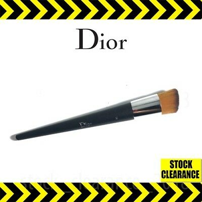 Dior 🔥#12 Foundation Brush ✅ Backstage Fluid Brand New ✅High Quality Pouch