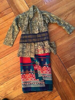 Balinese Bali Indonesia Women's 3 Piece Outfit: Lace Blouse, Fabric Skirt, Sash