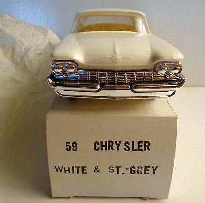 1959 Chrysler New Yorker 4DR HT Promo Jo-Han 1:25 Off White and Storm Gray AMIB