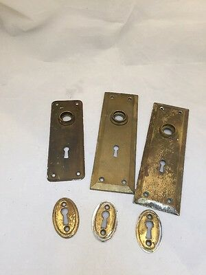 Mixed lot of antique salvage escutcheon plates and door plates art deco