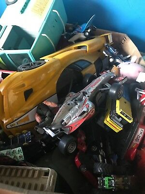 mixed box of cars large and small collections of cars sold as job lot