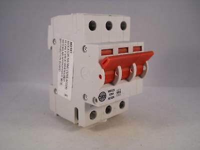 Wylex Main Switch Disconnector 125 Amp Triple Pole 3 Phase 125A Isolator WS123