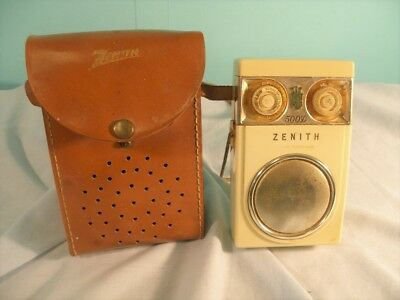 Vintage Zenith 500D Royal 500 Deluxe Transistor Portable Radio With Case, 1958