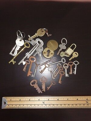job lot of old vintage & modern keys, lock, padlock etc - ephemera, mixed media