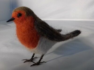 Gift Boxed Needle felting kit Robin British Wool