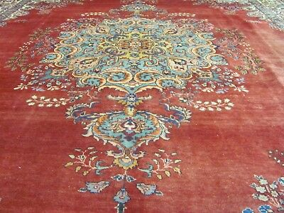 A WONDERFUL OLD HANDMADE TABRIS AZERBAIJAN ORIENTAL CARPET (352 x 288 cm)