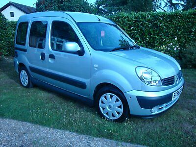 1.6L RENAULT KANGOO EXPRESSION WAV with Sirus up-front wheelchair