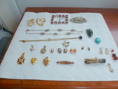 Mixed Lot of Vintage Costume Jewellery Lockets,brooches,Pendants Earrings Etc