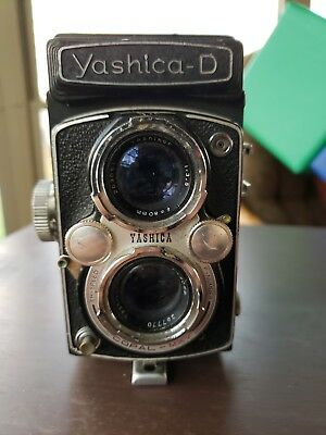- Yashica D Twin Lens Reflex Medium Format Camera 6x6, Yashikor 80mm Lens