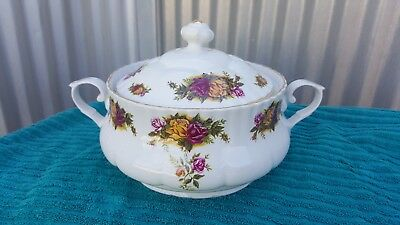 Crown Regal Fine Porcelaine  Dinner Set made in Romania 60 pieces