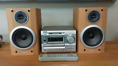 Sony MiniDisc Hi-Fi System DHC-MD373, CD, tuner & remote. Includes minidisc.