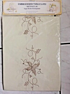 Vintage Cream Embroidered Table Cloth and 8 Napkins St Michael New In Packaging