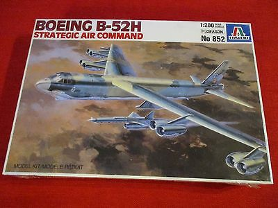 Italeri® 852 1:200 Boeing B-52H Strategic Air Command Neu Ovp