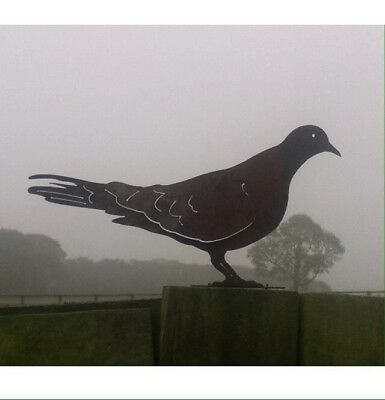 Rusty Metal Dove / Pigeon Bird Fence Post Topper / Garden Ornament
