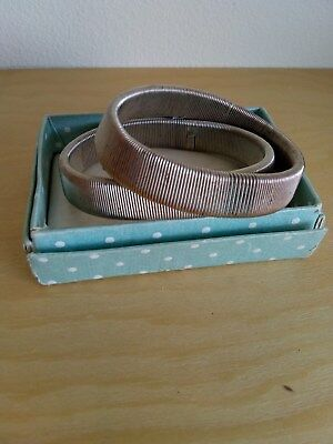 Vintage Boxed Metal Expanding Pair of SHIRT SLEEVE ARM BANDS- SILVER COLOURED