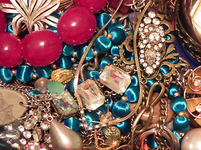 Estate Sale Lot of Vintage to Modern Jewelry #714 Some Signed