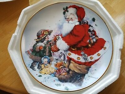 """Franklin Mint """"Exchanging Christmas Love"""" Collector Plate"""
