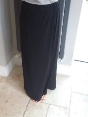 Flattering Elegantly draped/ruched Hobbs long black lined evening skirt - size 8