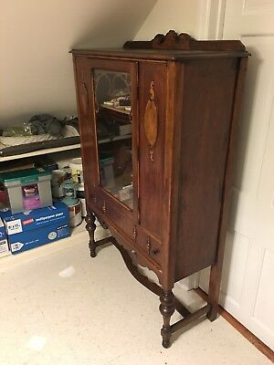 Fancy Wooden Armoire in Great Condition - Fully Functional