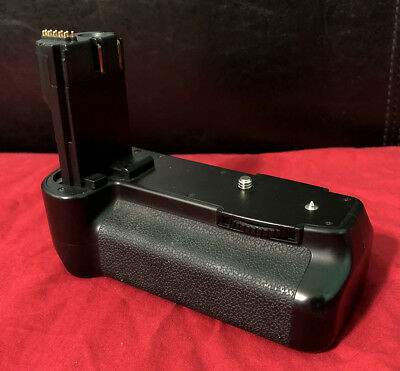 Used Meike MK-50D Multi-Power Battery Pack for Canon EOS EOS 50D 40D 20D 30D