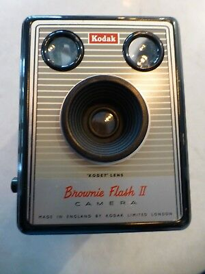 Brownie Flash II  Camera Kodak Flash with original leather case and instructions