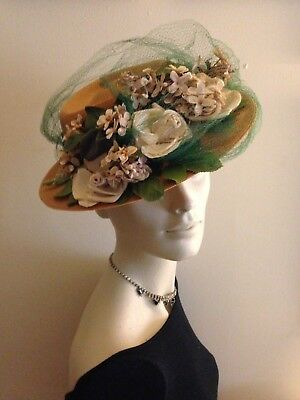 """1940's """"GAGE Handcraf"""" Beautiful Vintage Straw Floral Hat, Remarkable Condition"""