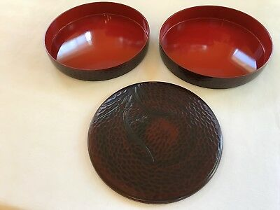 Japanese Red Lacquer Nesting Serving Bowls.