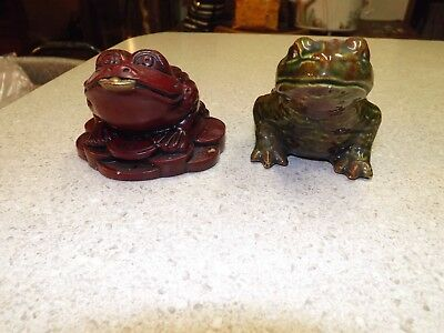 Lot of 2 collectible frogs toads Japanese style, one ceramic other very heavy