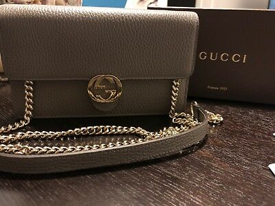 NIB Gucci Interlocking GG Wallet On Chain Grey Gray Leather Crossbody Purse fba451555bb4d