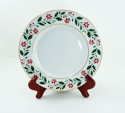 Royal Doulton England Porcelain China HOLLY Salad Luncheon Plate Lot of 4
