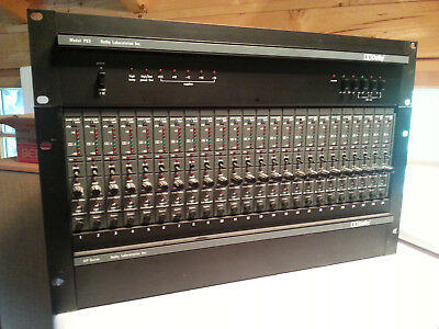 Dolby SR System 24 Spur in XP Rack mit Power Supply