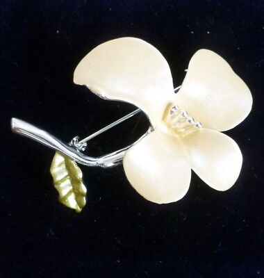 Pretty Vintage Flower Brooch With Cream And Green  Enamel