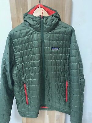 Patagonia Men's Nano Puff Hoody  TAILLE L ISOLATION HOMME GREEN