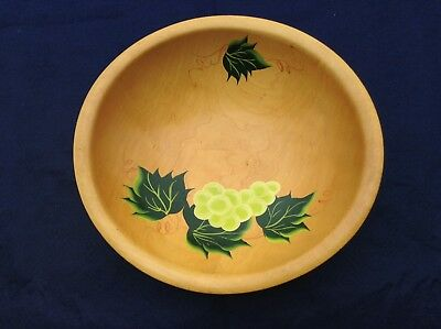 """Vintage Handcrafted MUNISING 11"""" Wooden Serving -Bread Bowl w/Grapes Motif, USA"""
