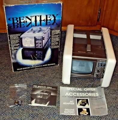 """NEW Bentley Deluxe Portable 5"""" Black & White TV Television B&W Battery Vintage"""