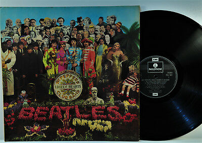THE BEATLES *Sgt. Peppers Lonely Hearts Club Band* France EMI Parlohone PCS 7027