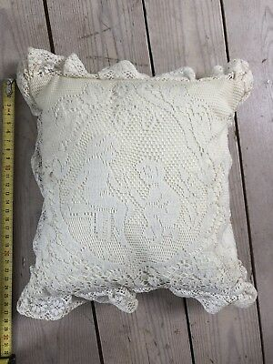 SMALL SQUARE LACE CUSHION 25cm square