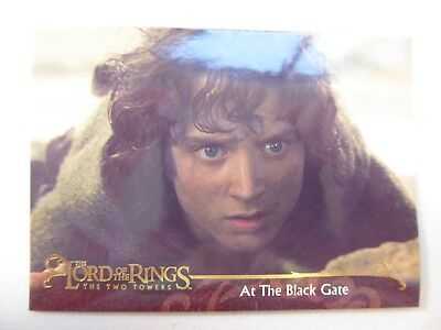TOPPS Lord of the Rings: The Two Towers - Card #45 AT THE BLACK GATE