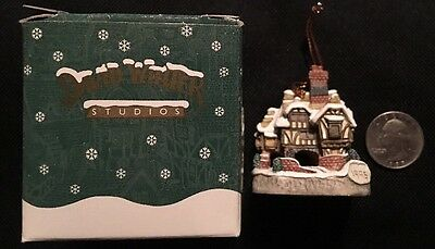 David Winter Studios Miniature - MISS BELLE'S ORNAMENT - 1995