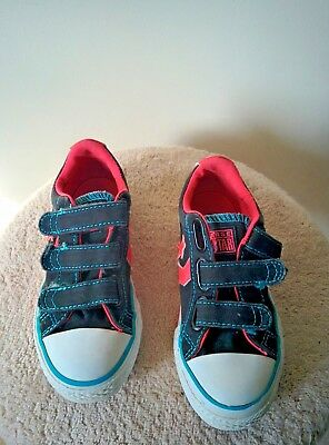 BOYS CONVERSE ALL Star Youth Kids Size 11 Sneakers Shoes -  10.00 ... 844b6fc24